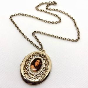 Vintage Gold Portrait Cameo Locket Necklace
